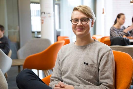 Uusi ura ohjelmistoalalla – oppimisen kulttuuri inspiroi Oliveria